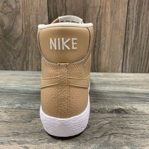the latest d70e8 57eed Nike Shoes - Nike Blazer Mid Boys LinenSummit White High Top